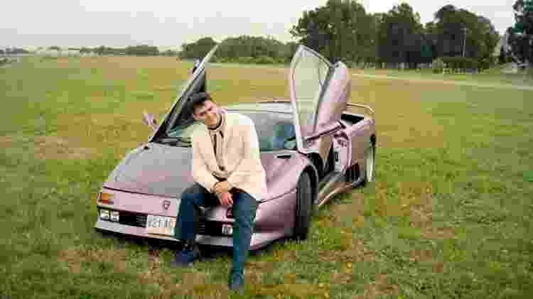 Milionário nunca escondeu sua predileção pelos carros da marca italiana - Reprodução/Facebook