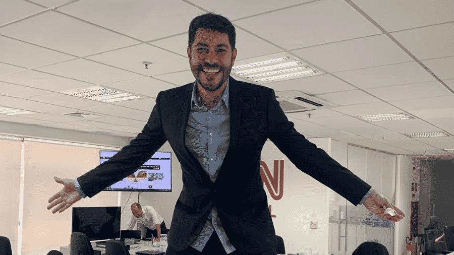 Evaristo Costa em sua 1ª foto postada na sede da CNN Brasil, em São Paulo - Reprodução/Instagram