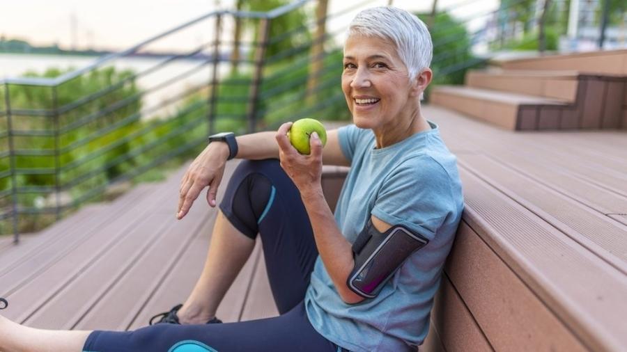 Entre os participantes do estudo, aqueles com a saúde em melhores condições nunca haviam fumado - Getty Images