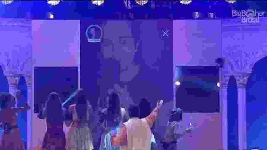 BBB 20: Luan Santana no telão - Reprodução/Globoplay