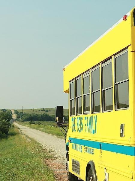 O ônibus em estrada no Kansas - Arquivo pessoal - Arquivo pessoal