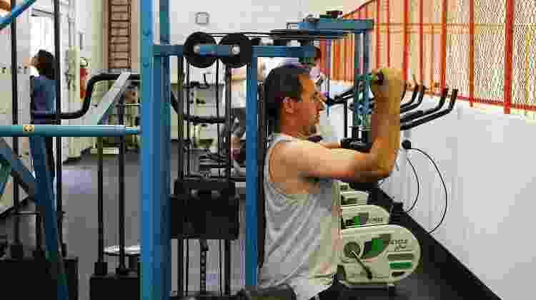 Homem fazendo exercício - Marcos Santos/USP Imagens - Marcos Santos/USP Imagens