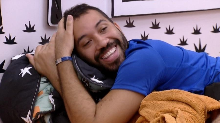 BBB 21: Gilberto comemora ida para o grupo vip - Reprodução/Globoplay