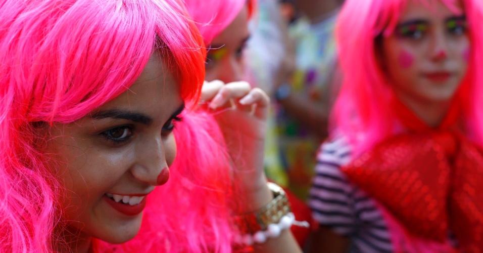 8.fev.2016 - O bloco Palhaçada atraiu adultos e crianças para o centro histórico de Tiradentes (MG) na segunda-feira de Carnaval