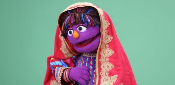 """Zari é a nova personagem da versão afegã do """"Vila Sésamo"""" - BBC"""