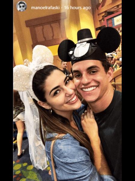 """Vivian e Manoel posam de """"noivos"""" - Reprodução/Instagram' - Reprodução/Instagram'"""