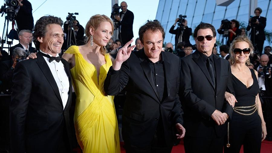 O produtor Lawrence Bender ao lado de Uma Thurman, Quentin Tarantino, John Travolta e Kelly Preston - Getty Images