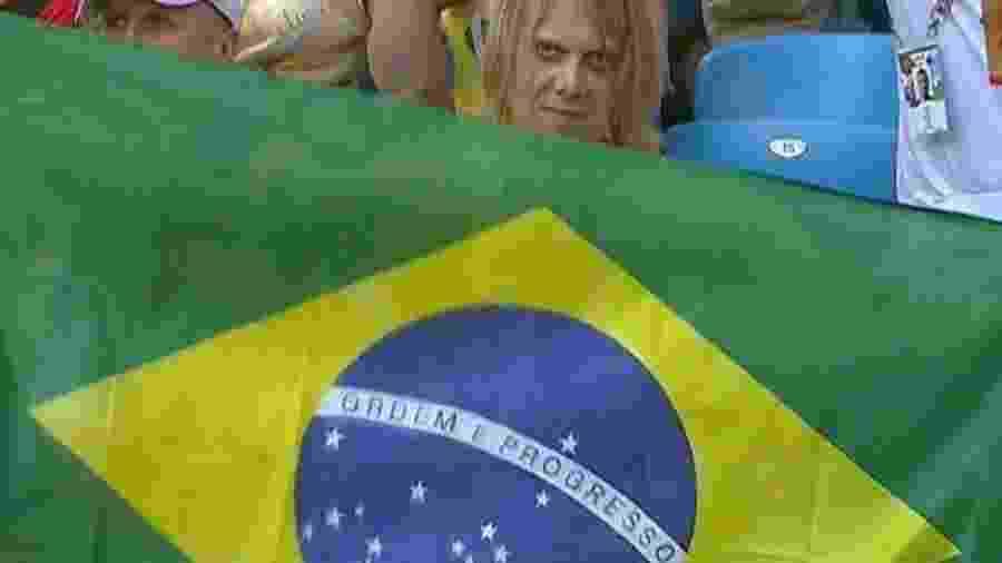 Yuri Torsky virou meme depois de aparecer com bandeira do Brasil em Samara - VK