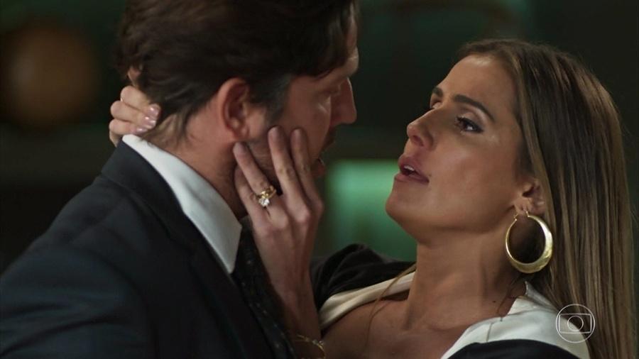 """Deborah Secco e Vladimir Britcha como os amantes Karola e Remy em """"Segundo Sol"""" - Reprodução/TV Globo"""