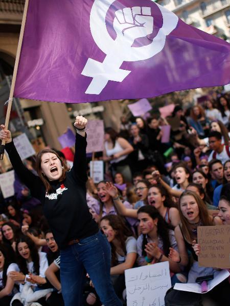 mulheres protestam na espanha no Dia Internacional da Mulher - AFP