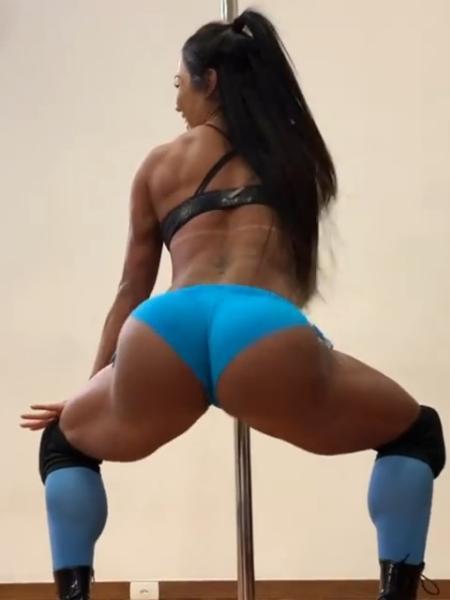 Gracyanne Barbosa no pole dance - Reprodução/ Instagram