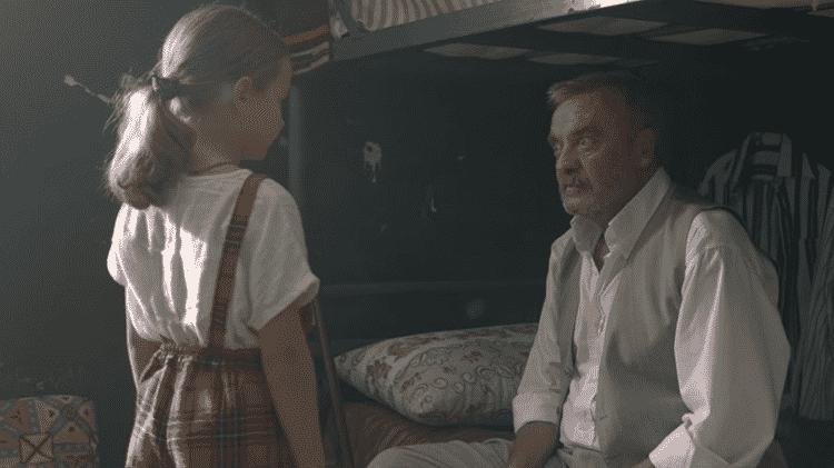 """Ova e Yusuf em cena de """"Milagre na Cela 7' - Reprodução - Reprodução"""