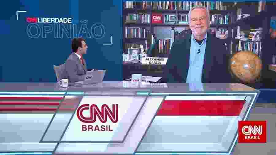 """Rafael Colombo e Alexandre Garcia na estreia do quadro """"Liberdade de Opinião"""" na CNN Brasil - Reprodução"""