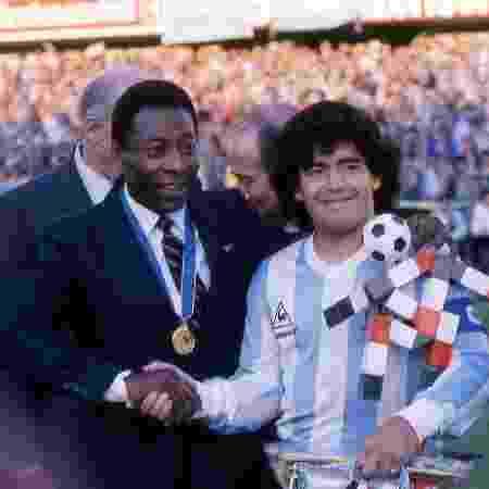Pelé e Maradona são considerados os dois maiores jogadores da história - Alessandro Sabattini/Getty Images