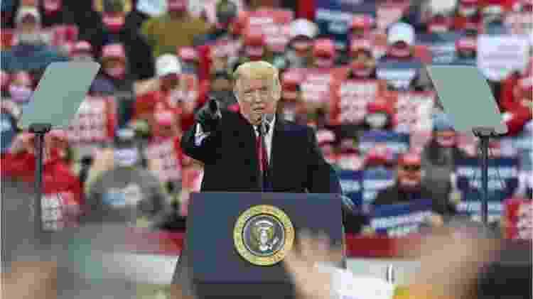 Trump discursa em comício nas eleições - GETTY IMAGES - GETTY IMAGES