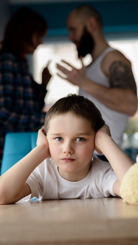 Filhos devem ser poupados de discussões entre os pais - Getty Images