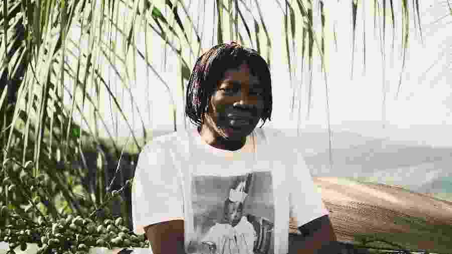 """Milton Nascimento veste camiseta com foto da infância: """"Na minha primeira infância em Três Pontas, eu era proibido de entrar no principal clube da cidade pelo simples fato de ser negro"""" - Nathalia Pacheco/Divulgação"""