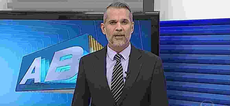 O jornalista Alexandre Farias foi atingido na cabeça por uma bala perdida - Reprodução/TV Globo