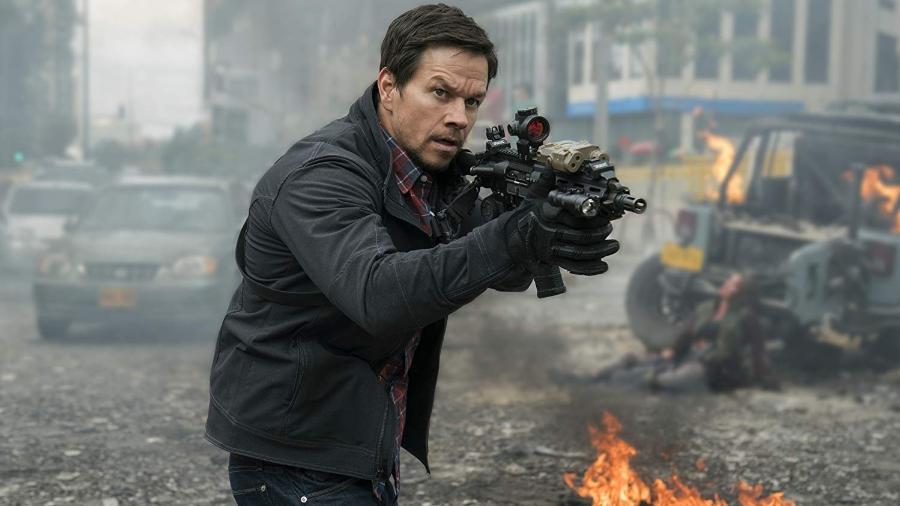 """Mark Wahlberg em cena de """"22 Milhas"""" - Divulgação"""