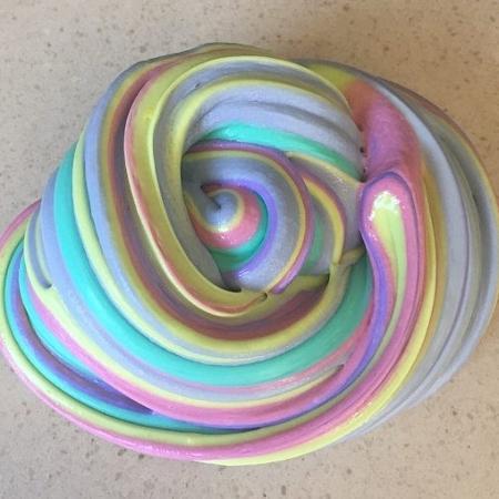 A geleca é colorida, mas pode ser tóxica - Reprodução/ Internet