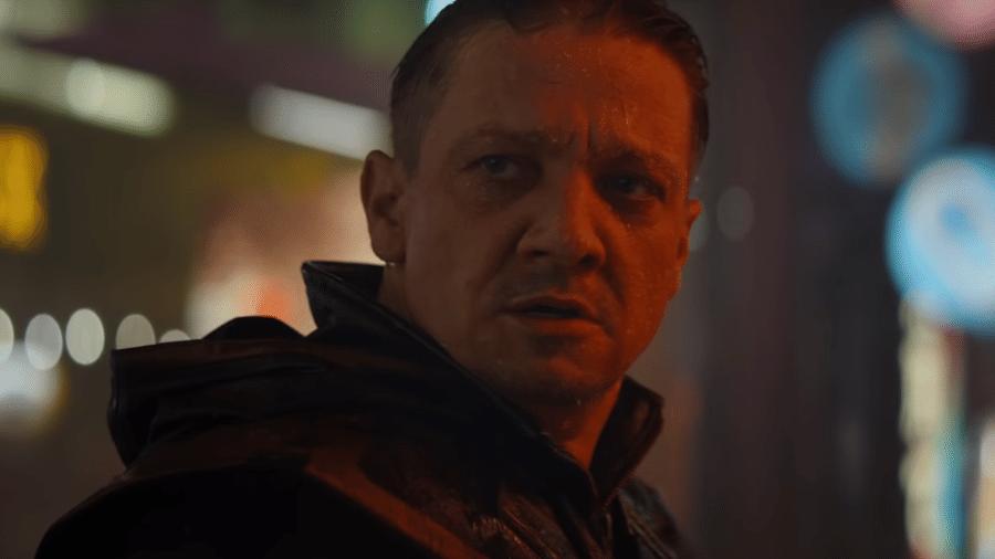 """Jeremy Renner como Ronin em cena de """"Vingadores: Ultimato"""" - Reprodução/YouTube"""