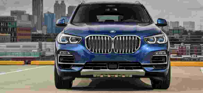 Novo X5 ganhou entradas de ar redesenhadas, grade frontal cromada mais ampla e angular, novas luzes de neblina e faróis full-LED - Divulgação