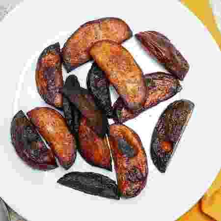 Batatas queimadas - iStock - iStock