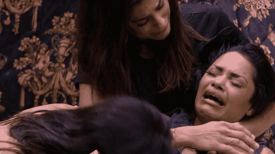 Flayslane chora no quarto do líder - Reprodução/Globoplay