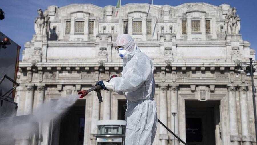 Duas propostas foram apresentadas no Senado para instituir comissões parlamentares de inquérito a respeito da covid-19 - EPA via BBC
