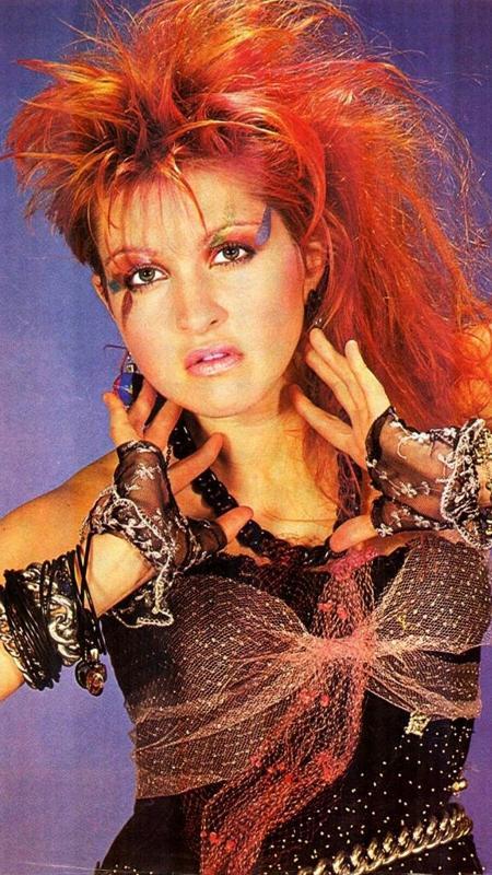 Muita gente usou papel crepom para conseguir os fios colorido de Cyndi Lauper nos anos 80 - Divulgação