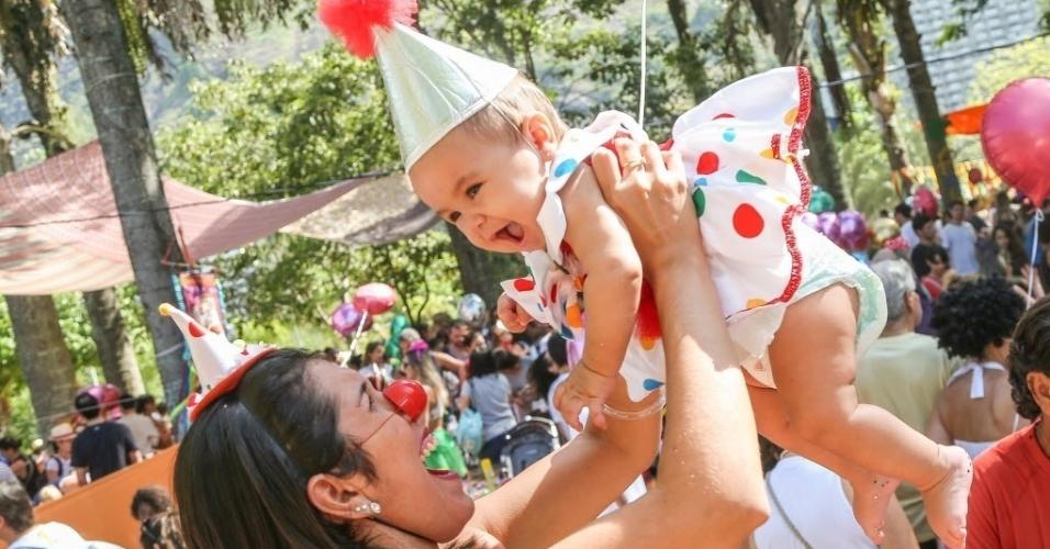 11.fev.2017 - Bloco Spantinha, a edição infantil do Spanta Neném, reuniu pais e filhos neste sábado (11) na Lagoa Rodrigo de Freitas, no Rio