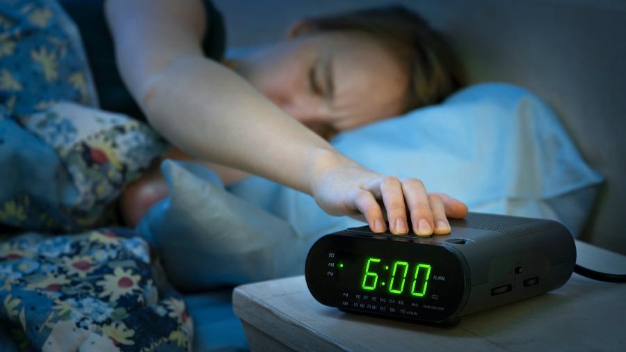 Aos poucos é possível mudar a rotina e passar a acordar cedo - iStock