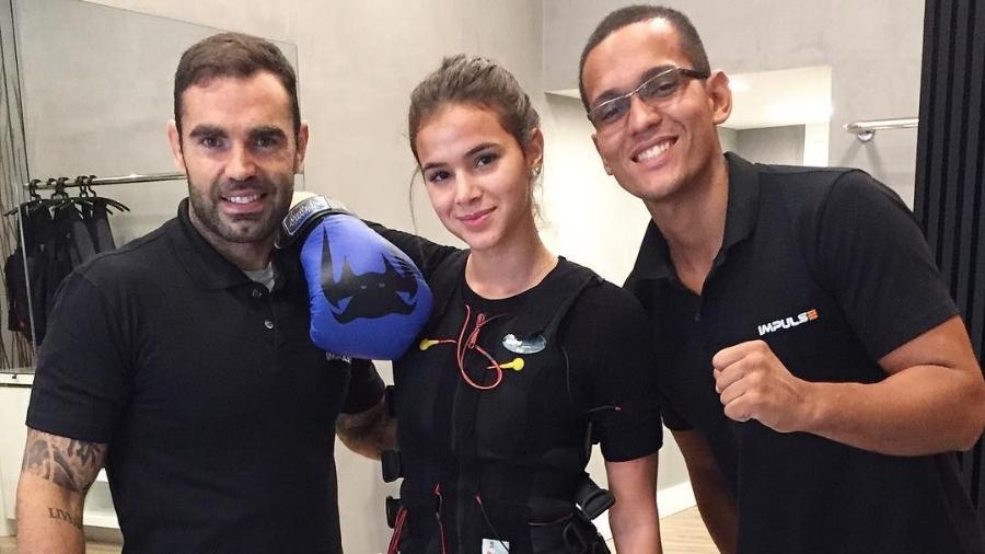 Bruna Marquezine é uma das adeptas da eletroestimulação muscular enquanto malha - Reprodução/Instagram