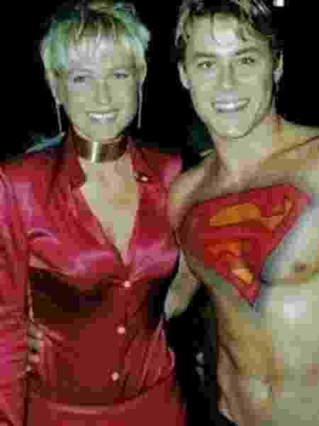 Théo Becker posa com Xuxa em 2001 - Reprodução/Instagram