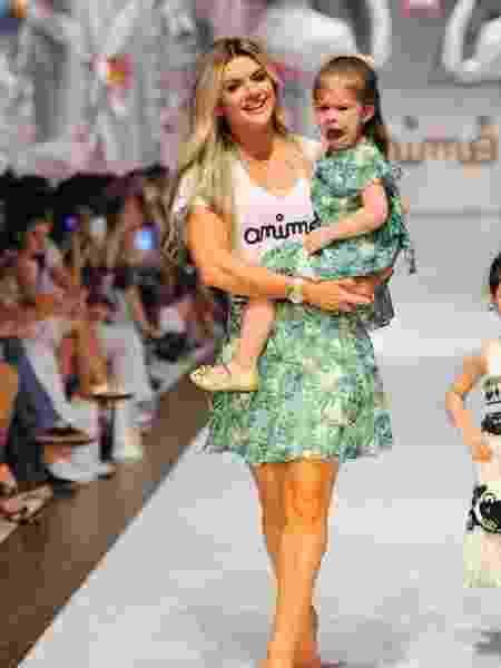 Mirella Santos com a filha, Valetina - Samuel Chaves/Brazil News