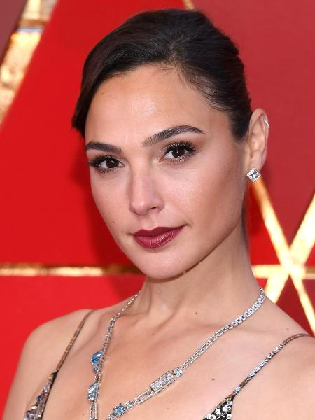 A beleza de Gal Gadot no Oscar 2018 - Getty Images