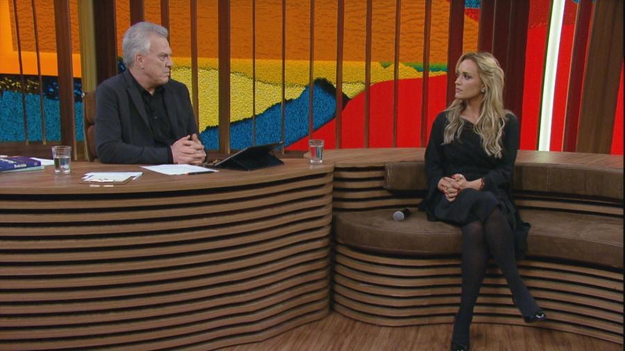 """Cláudia Bossle, viúva de Champignon, fala da morte do marido no """"Conversa com Bial"""" - Reprodução/TV Globo"""