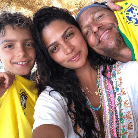 Camila Alves com o marido, o ator Matthew McConaughey, e Levi, filho dos dois - Reprodução/Instagram/iamcamilaalves