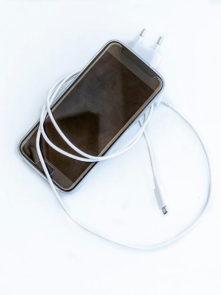 O uso excessivo de tecnologia está associado a problemas como ansiedade, depressão e obesidade - iStock