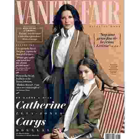 Gêmeas? A mãe Catherine Zeta-Jones, 49, posou com a filha Carys Douglas, 16 - Reprodução/Twitter