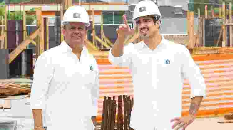 Rodrigo Pacheco e Caio Castro na obra - Divulgação/ Sal Ricardo