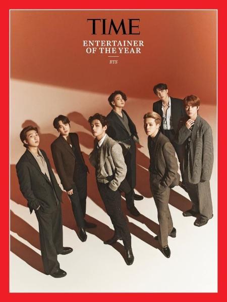 """Membros do BTS posam para a TIME como """"entertainers do ano"""" de 2020 - Reprodução/Twitter"""