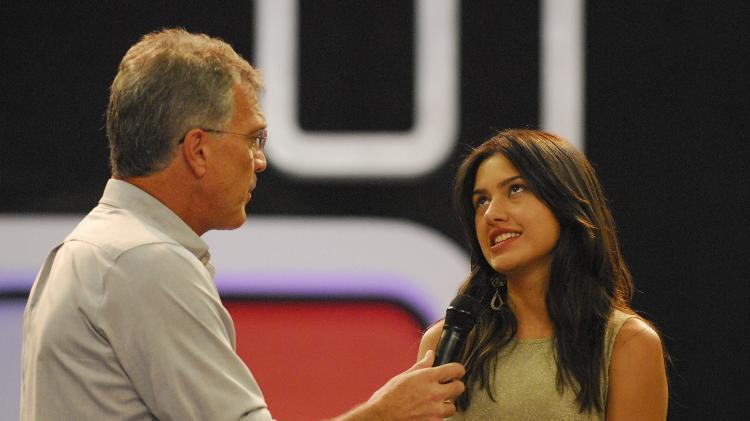 Tessalia conversa com o apresentador Pedro Bial, logo depois de deixar o BBB com 78% dos votos - TV Globo/Frederico Rozario - TV Globo/Frederico Rozario
