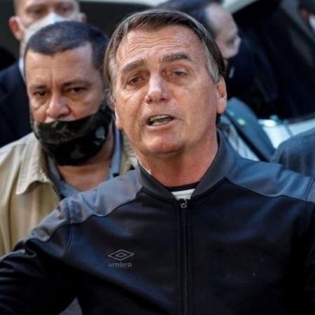 Jair Bolsonaro fez declarações para uma plateia que o acompanhava em uma motociata no interior de São Paulo - EPA