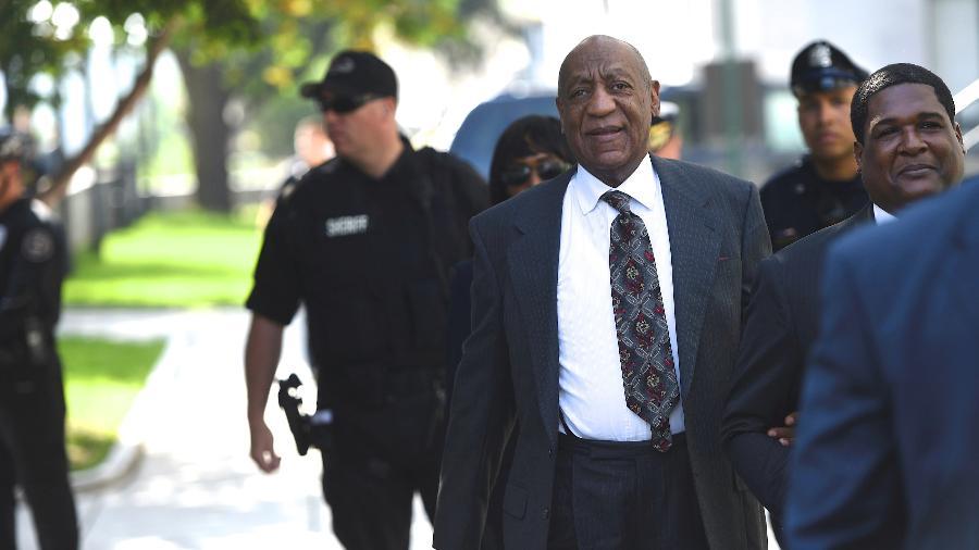Ator Bill Cosby chega ao Tribunal de Montgomery para audiência relacionada a acusações de abuso sexual - Mark Makela/Reuters