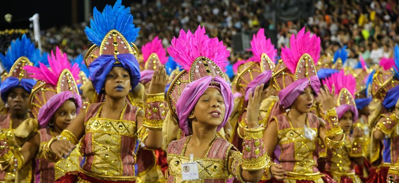 Liga disponibilizou 30 mil ingressos para cada noite de desfile - Amanda Perobelli/UOL