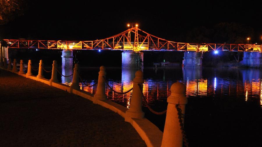 Foto da ponte de Carmelo, a toscana uruguaia  - Divulgação
