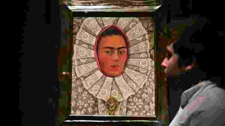 """Peça da exposição """"Frida Kahlo: Making Her Self Up"""" - Daniel Leal-Olivas/AFP - Daniel Leal-Olivas/AFP"""
