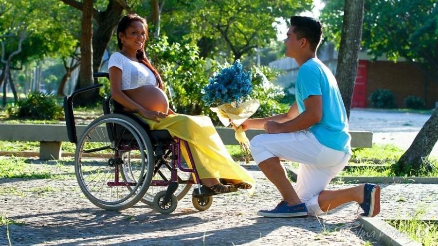 Dieli Costa enfrentou a condição de cadeirante e realizou o sonho de ser mãe - Arquivo Pessoal