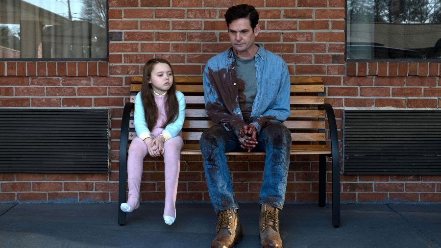 """Henry Thomas em """"A Maldição da Residência Hill"""", série de terror da Netflix  - Divulgação"""